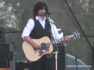 Pete Yorn at Bonnaroo 2007. Photo (c) Bill Kopp